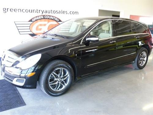 Green Country Auto Sales's car - Mercedes Benz R-Class R500 - Majestic Black Metal